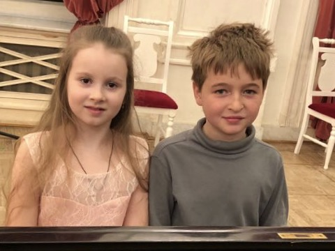 Петрова Арина и  Карпов-Бахчиев Александр