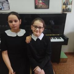 Шамина Полина и Тагиева Лейла