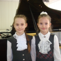 Долбилова Анастасия и Лебедева Ксения