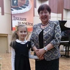 Шестакова Вера Анатольевна, Лосева Дарья