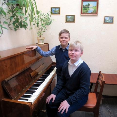Романчук Роман и Сажин Григорий