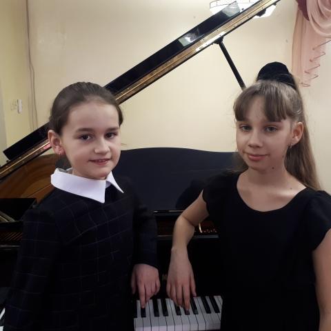 Шамина Полина и Бланшер Алиса