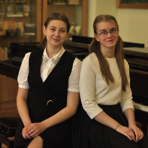 Селянина Алиса  и Макарова Ангелина