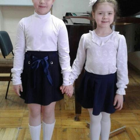 Харионовская Варвара и Гузикова Полина