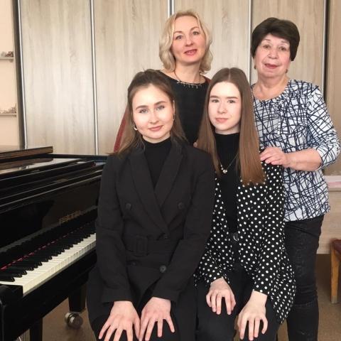 Татьяна Цыпушкина, Людмила Смелянская, Варвара Промышленникова, Вероника Галембо.