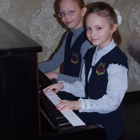 Кайгородцева Виктория и Торбина Диана
