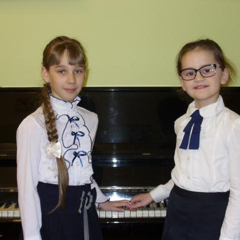 Бланшер Алиса и Шамина Полина
