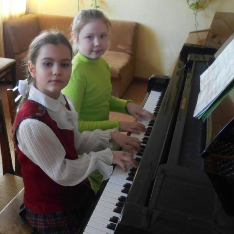 Инжеватова Ева и Селедкова Светлана