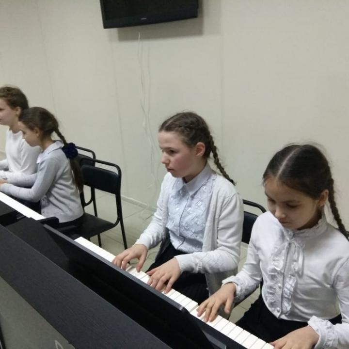 Гречанова Мария, Тимирова Софья, Бобб Арина ,Хрипунова Мария и