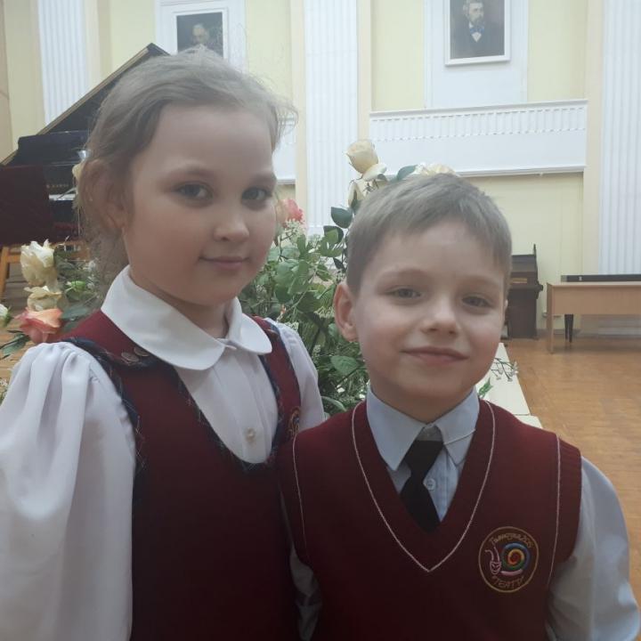 Бузлаева Екатерина и Осинцев Елисей